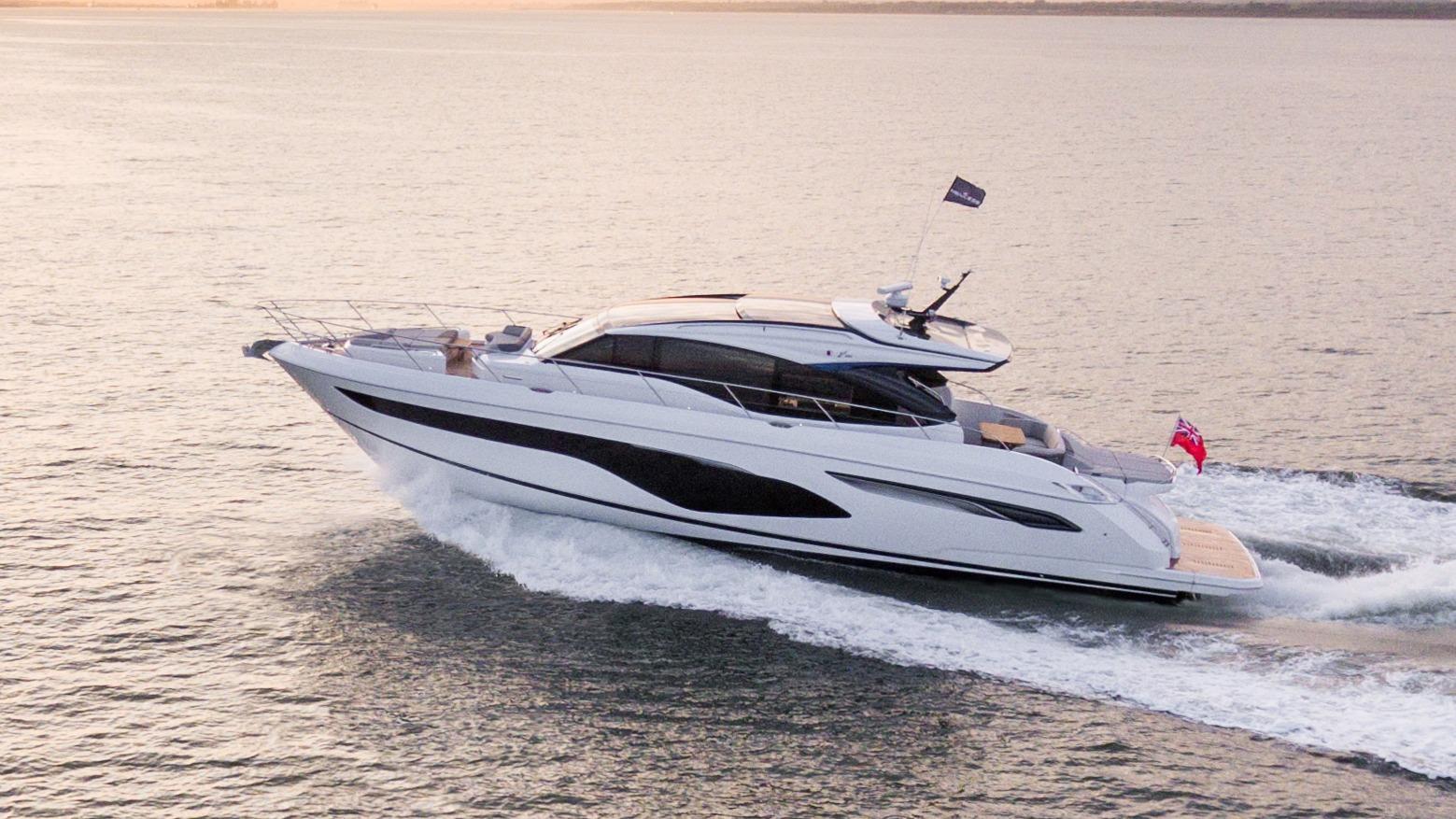 v60-exterior-white-hull-9